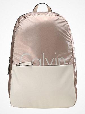 Calvin Klein Ryggsäck beige med tryck
