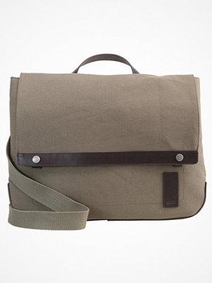 Väskor & bags - KIOMI Axelremsväska canvas khaki