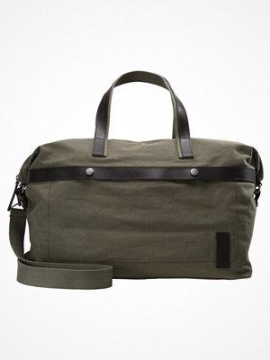 Väskor & bags - KIOMI Weekendbag khaki
