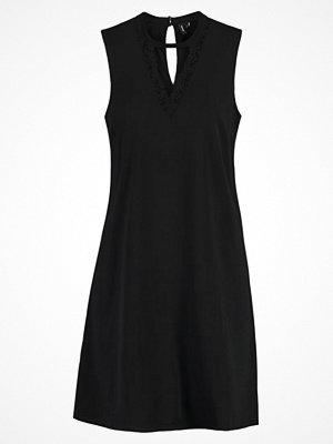 Vero Moda VMPHILIPPA  Cocktailklänning black