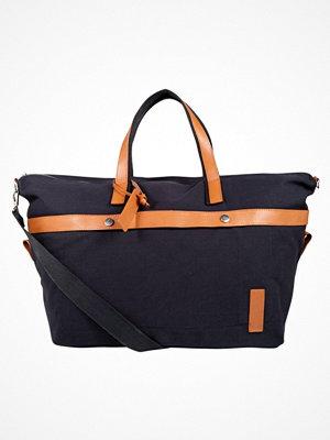 Väskor & bags - KIOMI Weekendbag canvas navy
