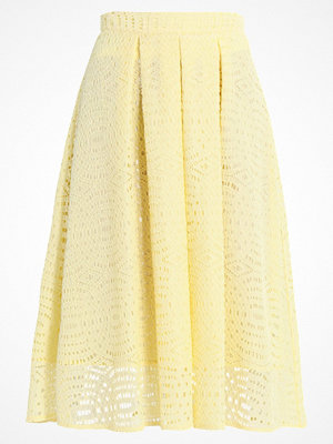 Dorothy Perkins LACE FULL  Alinjekjol yellow