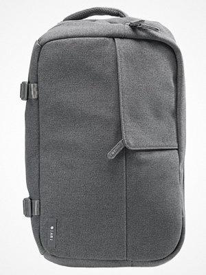 Väskor & bags - Incase Axelremsväska gray