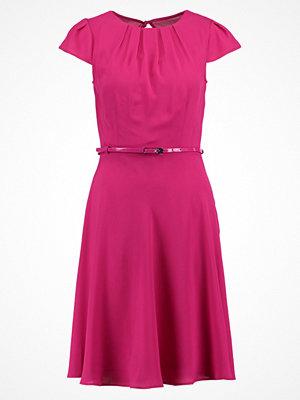 Dorothy Perkins PLEAT Jerseyklänning cerise