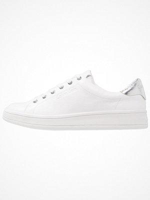 Calvin Klein SOLANGE Sneakers white/silver