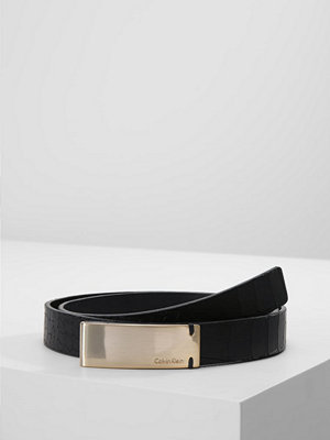 Calvin Klein CURVED PLAQUE Skärp black