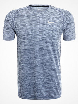 Sportkläder - Nike Performance Tshirt med tryck cirrus blue/thunder blue/reflective silver