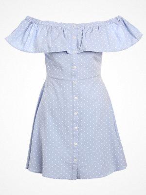 Topshop DOBBY BUTTON BARDOT Skjortklänning light blue