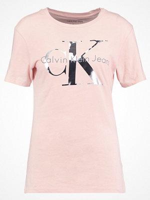 Calvin Klein Jeans TANYA Tshirt med tryck peachy keen