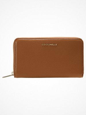 Plånböcker - Coccinelle Plånbok tan