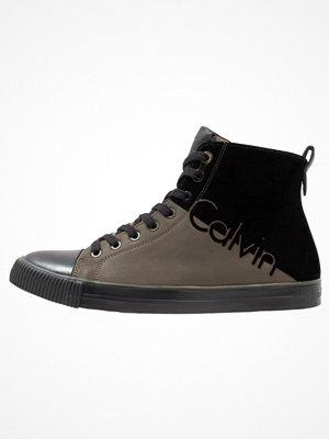Calvin Klein Jeans Höga sneakers cargo/black
