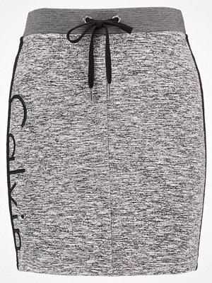 Calvin Klein Jeans KERI LOGO Pennkjol black heather