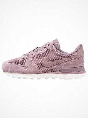 Sneakers & streetskor - Nike Sportswear INTERNATIONALIST Sneakers taupe grey/sail