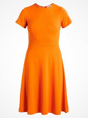 KIOMI Jerseyklänning orange