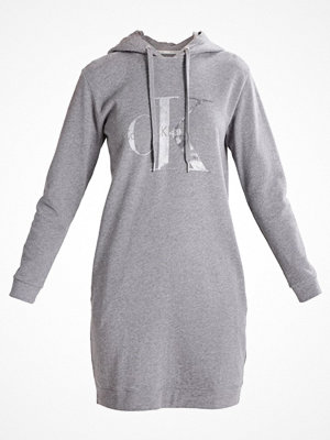 Calvin Klein Jeans DARLA TRUE ICON HOOD Sommarklänning mid grey heather