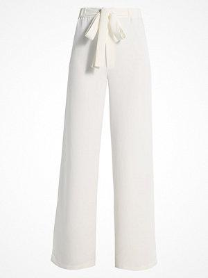 Lavish Alice SPLIT SIDE WIDE LEG Tygbyxor off white
