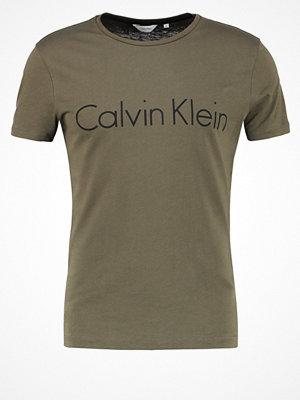 Calvin Klein TYSON Tshirt med tryck army green