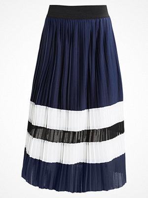Anna Field Veckad kjol offwhite/black