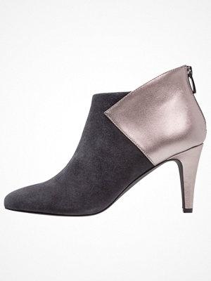 KIOMI Ankelboots grey/grey metallic