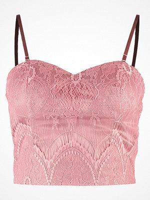 Chi Chi London Petite TAYLOR  Linne pink