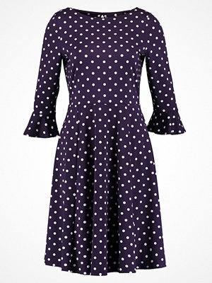 Wallis SPOT FLUTE SLEEVE Jerseyklänning purple