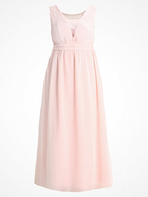 Chi Chi London Curvy SIGNY Festklänning pink