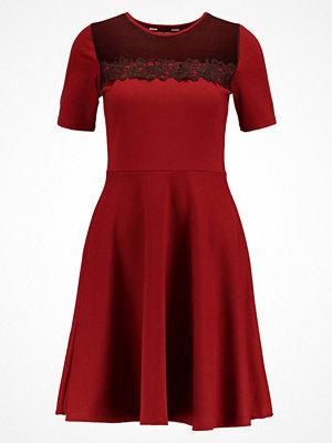 Dorothy Perkins Jerseyklänning berry red