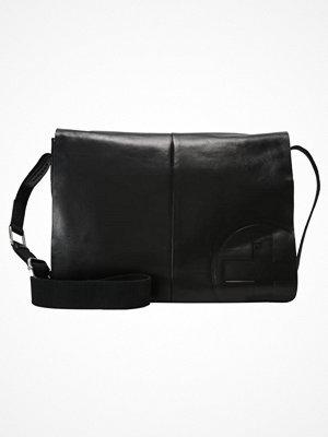 Väskor & bags - Strellson Axelremsväska black