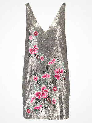 Missguided SEQUIN EMBROIDERY Cocktailklänning silver