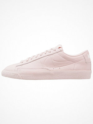 Nike Sportswear BLAZER LOW Sneakers silt red/light brown