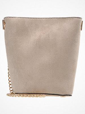 Handväskor - New Look Handväska stone