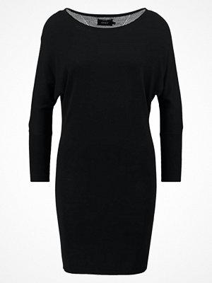 Only ONLPOLLY  Stickad klänning black