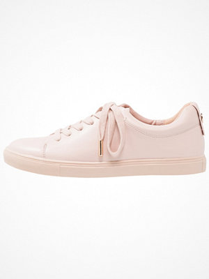 Topshop COFFEE LACE UP   Sneakers nude