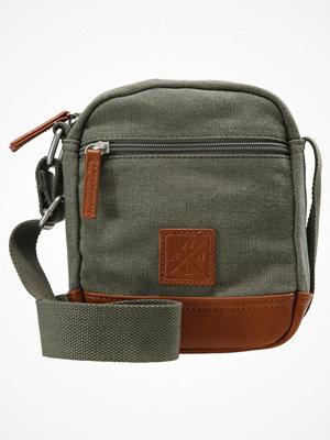 Väskor & bags - YourTurn Axelremsväska olive