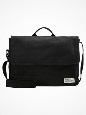 Väskor & bags - YourTurn Axelremsväska washed black