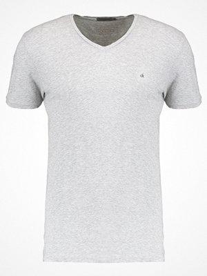 Calvin Klein Jeans BRYN Tshirt bas mid grey heather
