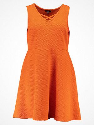 New Look Curves Sommarklänning bright orange