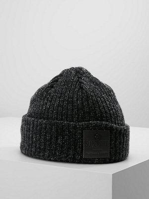 Mössor - Superdry SURPLUS  Mössa black/charcoal twist