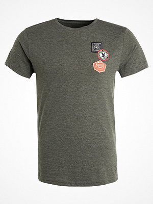 Pier One Tshirt med tryck olive