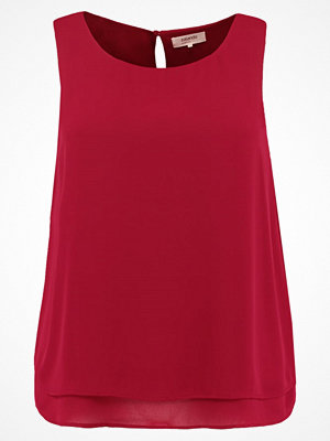 Zalando Essentials Curvy Blus red