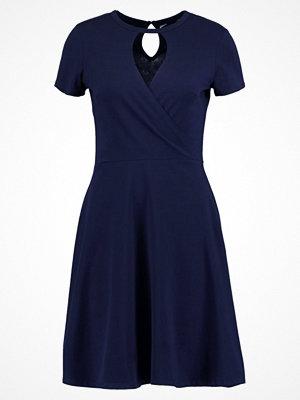 Dorothy Perkins KEYHOLE Jerseyklänning navy blue