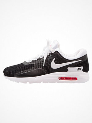 Nike Sportswear AIR MAX ESSENTIAL Sneakers black/white/solar red