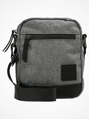 Väskor & bags - YourTurn Axelremsväska grey/black