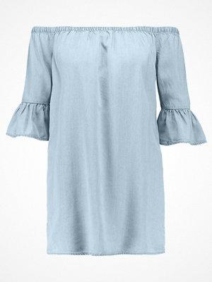 New Look FLUTED SLEEVE BARDOT Jeansklänning mid blue