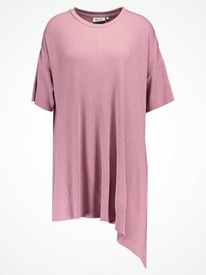 Weekday MILA  Tshirt med tryck pink
