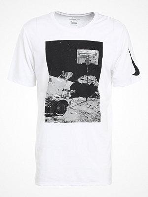 Sportkläder - Nike Performance MOONSHOT Tshirt med tryck white/black/white