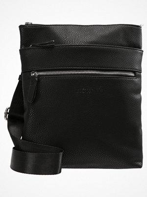 Väskor & bags - KIOMI Axelremsväska black