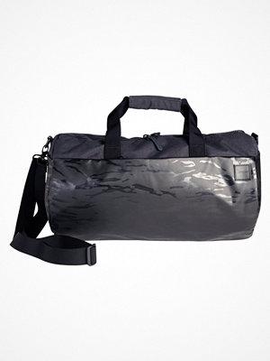 Väskor & bags - Incase COMPASS Weekendbag black camo
