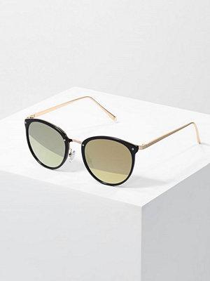 Even&Odd Solglasögon black/gold