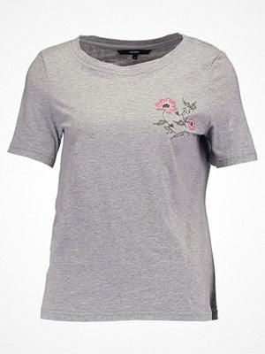 Vero Moda VMEMMY  Tshirt med tryck light grey melange